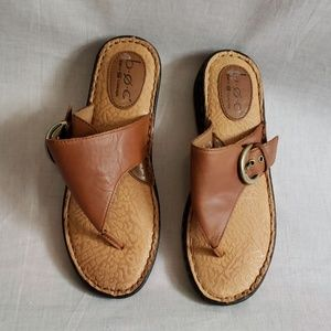 B.O.C Sandals Brown Size 8 M/W Leather T-strap